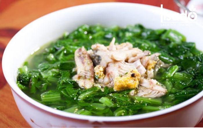 Canh cải xanh nấu cá rô đồng