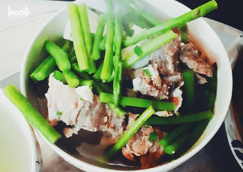 Nguyên liệu làm món măng tây hầm xương